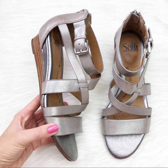 Sofft Shoes - Sofft Rianna Leather Sandal in Metallic Anthracite
